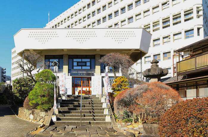 早稲田宝泉寺の堂内写真